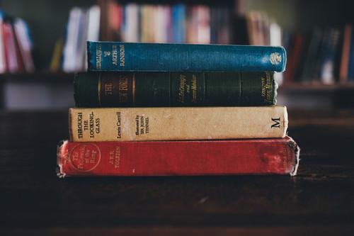 Books1246674_1920